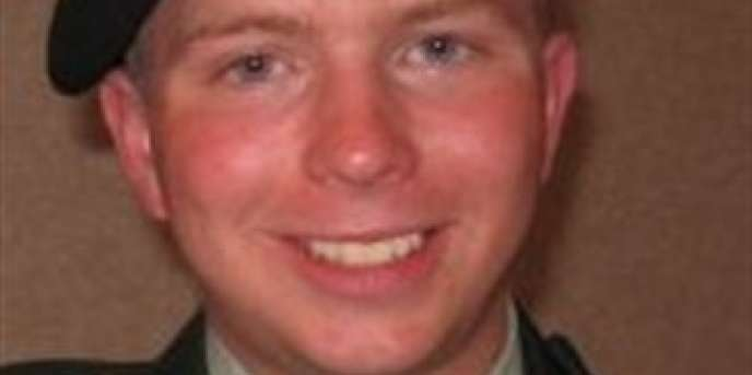 Bradley Manning est accusé d'avoir transmis à WikiLeaks des documents militaires américains sur les guerres d'Irak et d'Afghanistan. Il est emprisonné depuis  Il est empriosonné depuis juillet 2011.