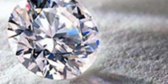 Gemmyo s'approvisionne directement, sans intermédiaire, en pierres précieuses.