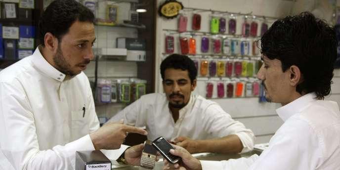 Un magasin de téléphonie mobile à Riyad, en Arabie saoudite, le 5 août.