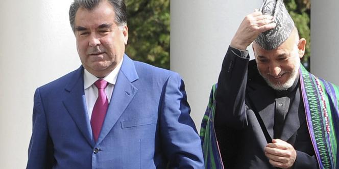 Le président tadjik, Emomali Rakhmonov (Tadjikistan), et son homologue afghan, Hamid Karzaï, à Sotchi (Russie), en août 2010.
