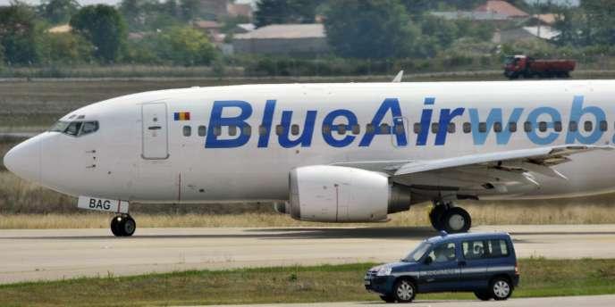 Un avion de ligne dans lequel ont embarqué des Roms, le 19 août, direction la Roumanie.
