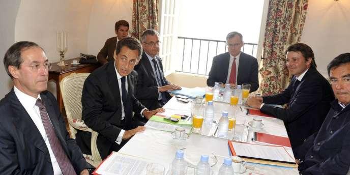 Nicolas Sarkozy a réuni les ministres de Bercy et François Fillon au fort de Brégançon.