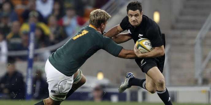 Aidés par le meilleur réalisateur de l'histoire du rugby, les Néo-Zélandais s'imposent dans le Tri-Nations à 3 journées de la fin de la compétition.