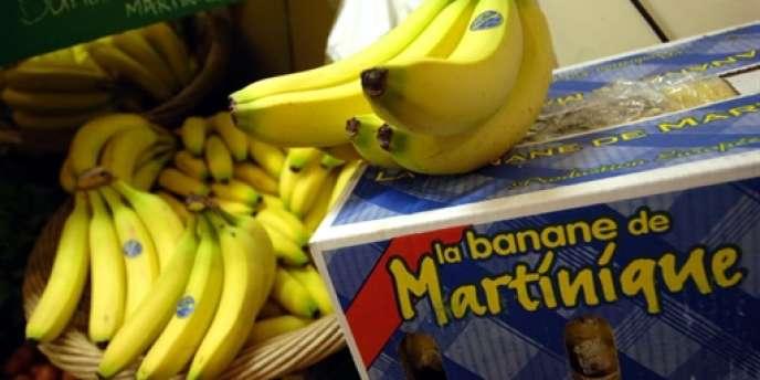 Le carton de bananes, de 18,14 kilos, est à 14 euros.