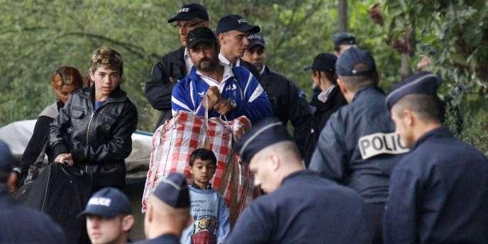 La France fait partie de la demi-douzaine de pays européens qui n'ont pas encore levé les restrictions en matière d'accès à l'emploi des Roms.