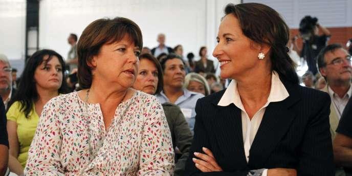 Martine Aubry, et Ségolène Royal, le 27 août 2010, lors de l'université d'été du parti à La Rochelle.