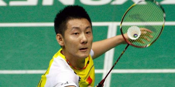 Jin Chen a été sacré champion du monde de badminton à Paris.