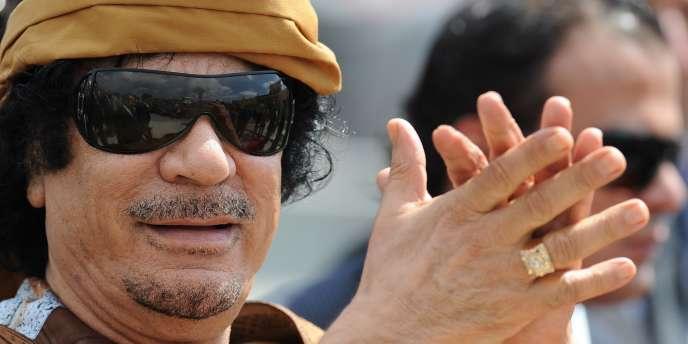 Bull se défausse aujourd'hui, expliquant que le contrat passé avec Kadhafi datait de 2007.