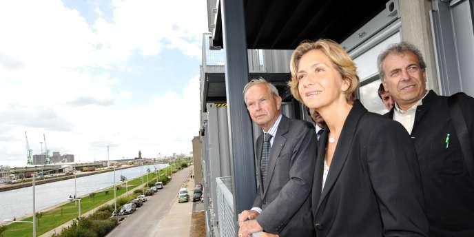 Valérie Pécresse sur un balcon de la nouvelle résidence universitaire du Havre le 30 août 2010.