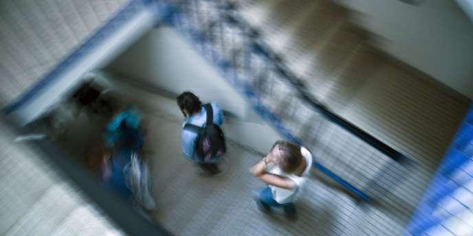 Cette étude a été réalisée sur la base d'un questionnaire de cinquante questions remplis par 18 000 élèves de 300 collèges français.