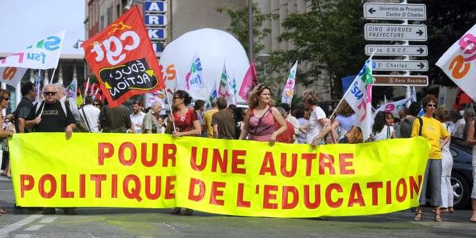 Malgré une faible participation, les enseignants et autre personnel de l'éducation nationale ont reconduit leur représentants syndicaux.