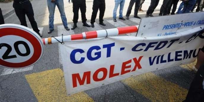 Devant l'usine Molex, le 9 septembre 2009 à Villemur-sur-Tarn (Haute-Garonne).
