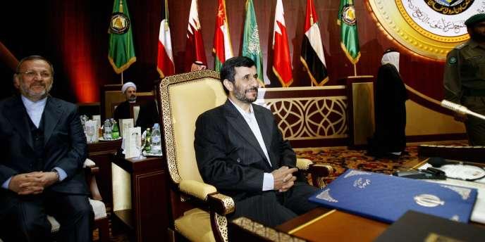 Mahmoud Ahmadinejad met encore en doute la version officielle des attentats du 11-Septembre.