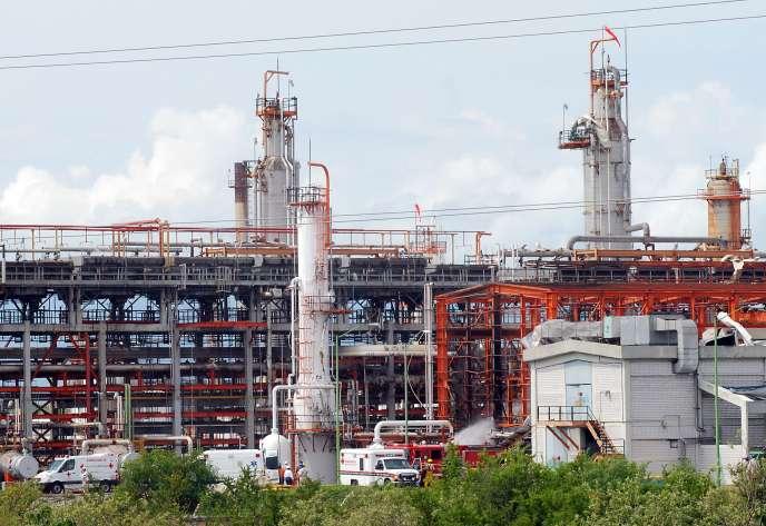 La raffinerie de Cadereyta, installation la plus moderne du pays, a une capacité de 275 000 barils par jour.