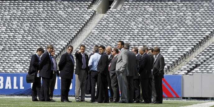 La délégation de la FIFA examine les stades de cinq villes américaines pouvant accueillir les Coupes du monde 2018 et 2022.