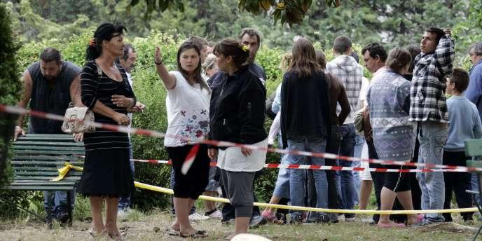 L'annonce de la mort de la victime avait suscité une vive émotion dans la communauté des gens du voyage, qui avait manifesté à Brignoles et Draguignan (Var), où de violents incidents avaient éclaté.