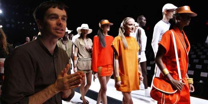 Le directeur artistique Christophe Lemaire, lors de la présentation de la collection printemps 2011 Lacoste, samedi 11 septembre à New York.