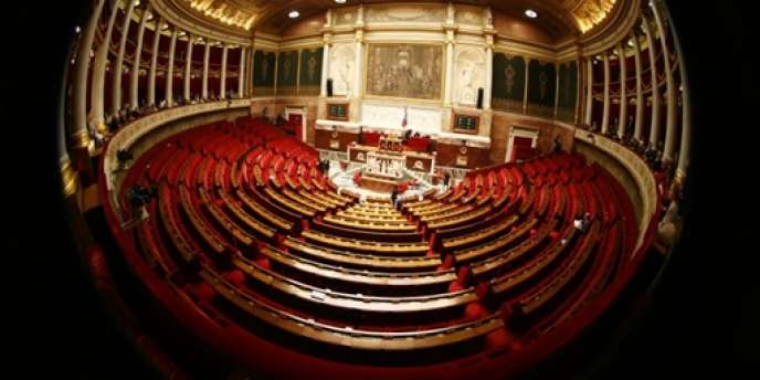 L'Assemblée a voté plusieurs mesures pour atténuer la facture des contribuables les plus modestes en 2014, mais a rejeté la baisse du taux réduit de la TVA à 5 %.