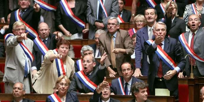 Dans le discours de ces parlementaires, on retrouve certains arguments avancés par les ministres, mais aussi des signes de mécontentements profonds, qui perdurent.
