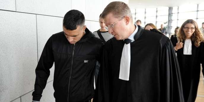 Monsif Ghabbour avait été interpellé le 31 août en Isère, plus d'un mois et demi après le braquage d'Uriage à la suite duquel son complice présumé, Karim Boudouda, avait trouvé la mort lors d'un échange de tirs avec la police.