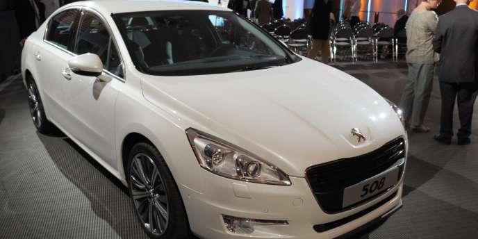 Dans tous les pays asiatiques où il s'implante, PSA commercialise en priorité ses véhicules les plus haut de gamme comme la Peugeot 508.