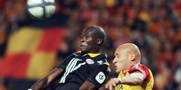 Ala-Eddine Yahia (à droite) pendant le match contre Lille, le 11 septembre.