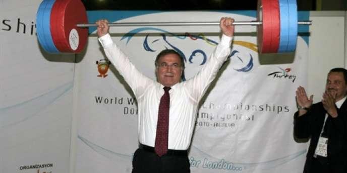 Le président du Parlement turc Mehmet Ali Sahin a inauguré les championnats du monde d'haltérophilie qui se déroulent à Antalya.