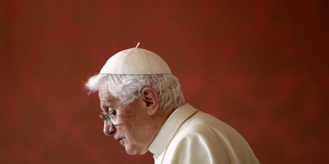 Le pape Benoît XVI a admis l'utilité du préservatif pour réduire les risques de contamination au virus du sida.