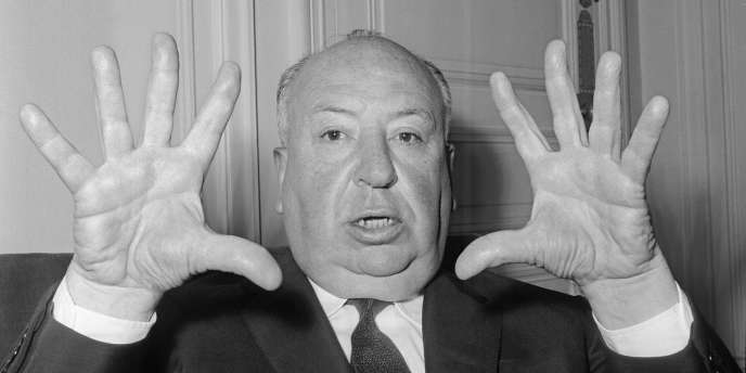 Le cinéaste britannique Alfred Hitchcock lors d'une conférence de presse pour son film