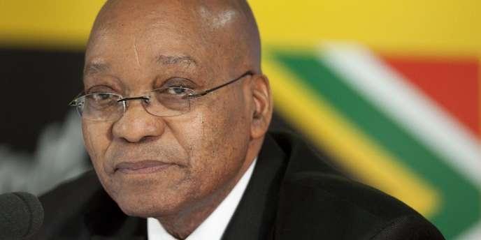 M. Zuma a prononcé son discours alors que sa cote de popularité dans l'opinion publique a chuté de 77 à 62 % au cours de l'année 2010.