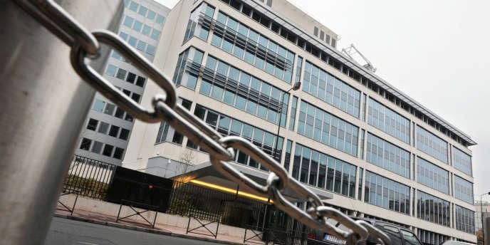 Photo prise le 15 novembre 2008 du bâtiment de la direction centrale du renseignement intérieur (DCRI) à Levallois-Perret.