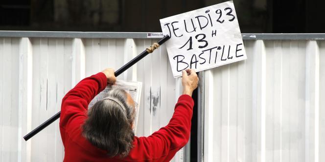 En présence de l'ensemble des leaders syndicaux, le cortège de la manifestation contre la réforme gouvernementale des retraites a commencé vers 13 heures, place de la Bastille à Paris, le 23 septembre 2010.