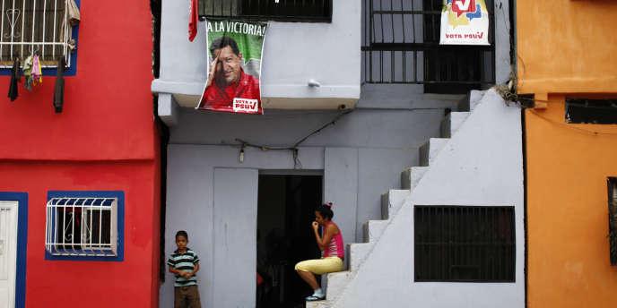 A Caracas, le 22 septembre 2010. Hugo Chavez a lancé une ambitieuse politique de construction de logements sociaux.