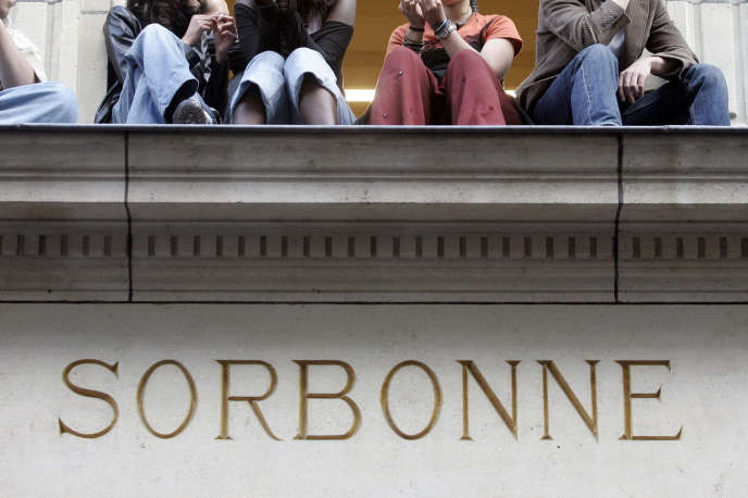 L'université Paris-I-Panthéon-Sorbonne est le théâtre de grandes tensions entre les syndicats étudiants.