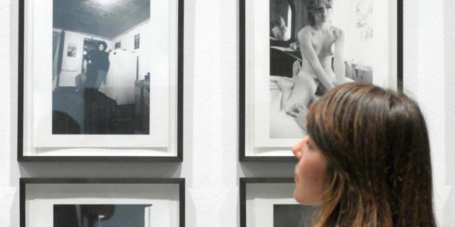 Les réactions à l'interdiction de l'exposition de Larry Clark pour les moins de 18 ans témoignent l'ambivalence des adultes face à ses images complexes où la sexualité n'est jamais absente, analyse le psychiatre Hugues Paris.