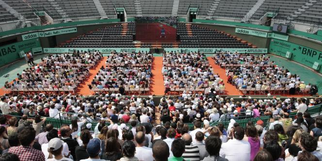 Le tribunal a jugé que les travaux d'agrandissement de Roland Garros impliquerait la radiation partielle du sol des serres d'Auteuil de l'inventaire des monuments historiques.