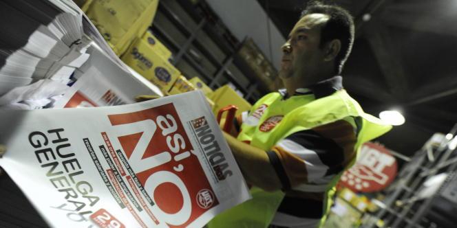 Les Espagnols protestent, mercredi 29 septembre, contre une réforme pour rendre plus flexible le marché du travail.
