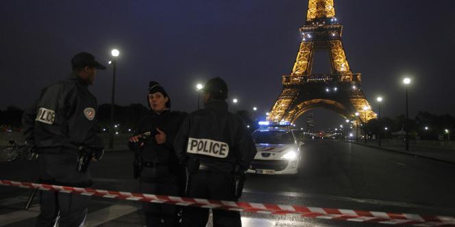 En septembre 2010, la tour Eiffel avait dû être évacuée en raison d'une alerte à la bombe.