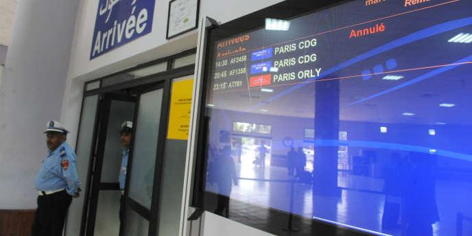 L'opposant au régime tunisien Kamel Jendoubi n'a pu descendre de l'avion en provenance de Paris jeudi 30 septembre à l'aéroport de Rabat.