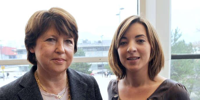 Laurianne Deniaud, présidente du Mouvement des jeunes socialistes (à droite) avec Martine Aubry, première secrétaire du PS, en novembre 2009.