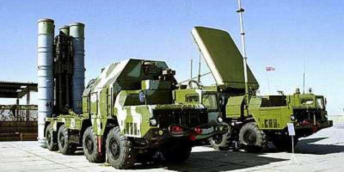 Un lanceur de missiles S-300, que Moscou a renoncé à vendre à l'Iran, le 22 septembre, sous la pression d'Israël et des Etats-Unis.