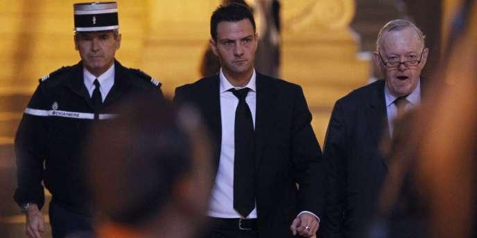 Jérôme Kerviel et son avocat, Me Olivier Metzner, au Palais de justice de Paris, le 5 octobre 2010.