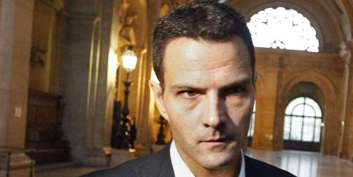 L'ancien trader de la Société générale Jérôme Kerviel, poursuivi pour une perte record de près de cinq milliards d'euros début 2008, a été condamné à trois ans de prison ferme.