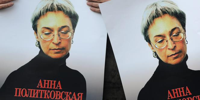 Manifestation à Moscou à la mémoire de la journaliste russe d'opposition, Anna Politkovskaïa, en 2010.