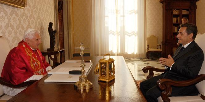 Benoit XVI et Nicolas Sarkozy au Vatican, vendredi 8 octobre.