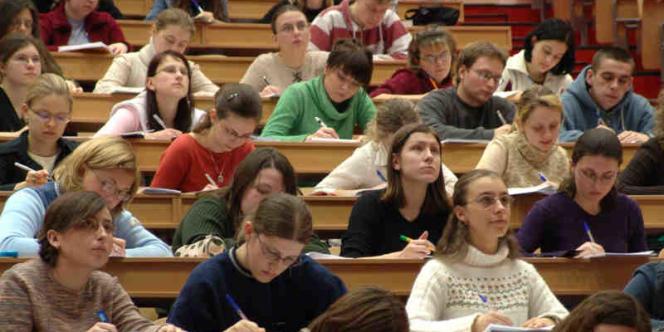 Les Français sont très critiques envers la qualité du système éducatif de leur propre pays.