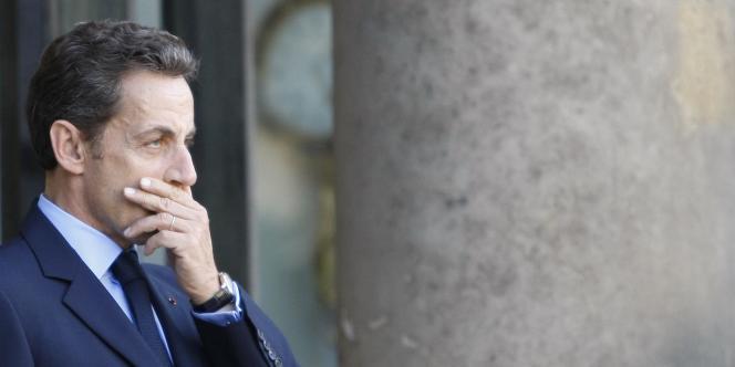 Nicolas Sarkozy serait-il en passe de s'inspirer de son ennemi, Dominique de Villepin, dans la crise du CPE de 2006 ?