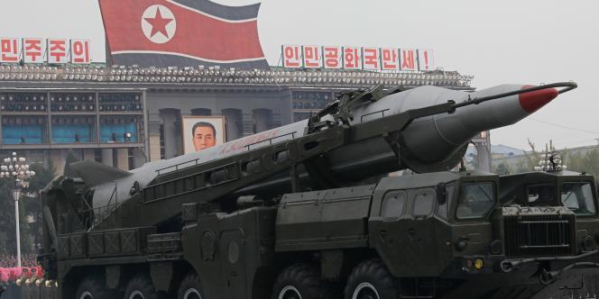 Parade militaire à Pyongyang, organisée le 10 octobre 2010 pour le 65e anniversaire de la fondation du Parti des travailleurs.