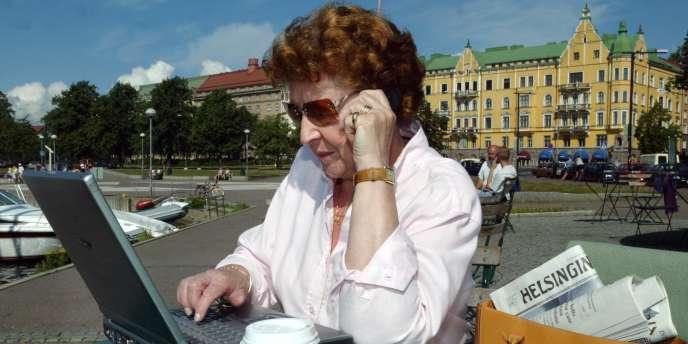 Ailleurs qu'en France, la perception de seniors est différente. En Finlande (ici à Helsinki), le taux d'emploi des seniors a augmenté de 61 % en près de 15 ans.