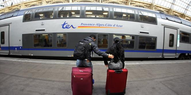 Un TER à la gare de Nice, en octobre 2010.